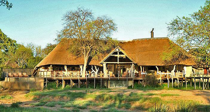 kambaku-river-main-lodge